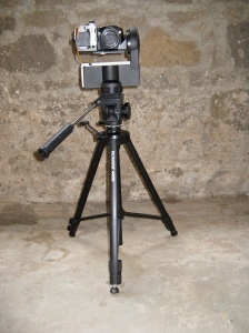 "Camera mounted on Gigapan mounted on tripod - the ""business"" end"