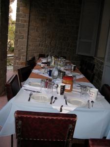 Dining al fresco at Hostel Xenia